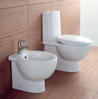 Sanitari filo muro wc monoblocco, bidet, copriwater soft close FROSTY